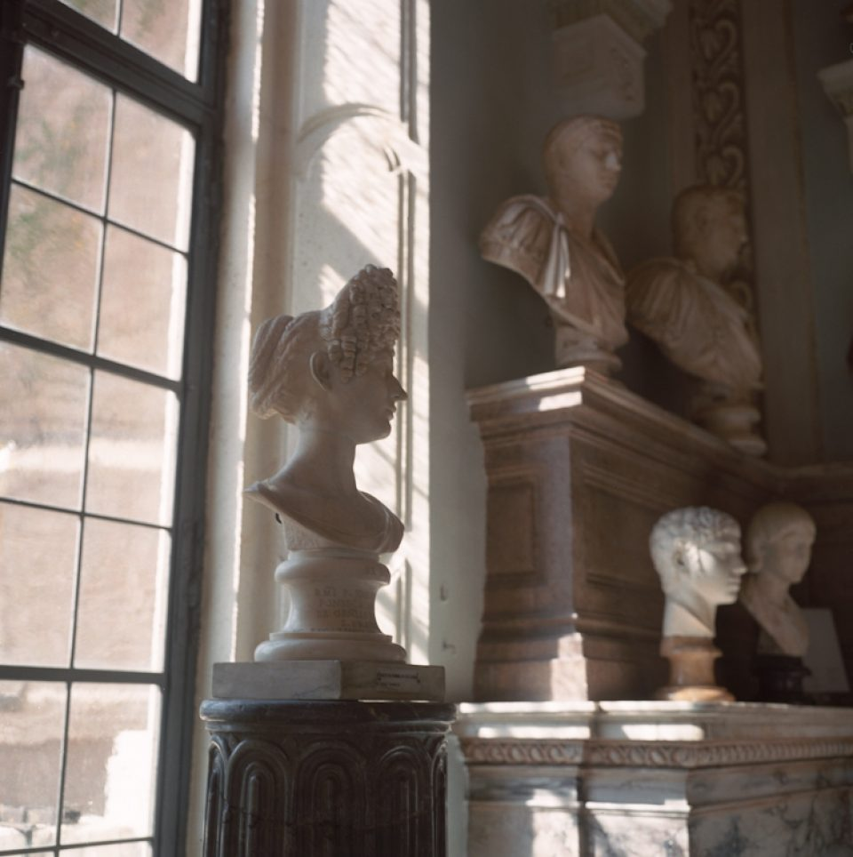 Fonseca Bust, a photo by Amber Sexton